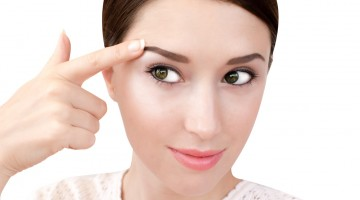 How to Make Your Eyes Whiter Naturally