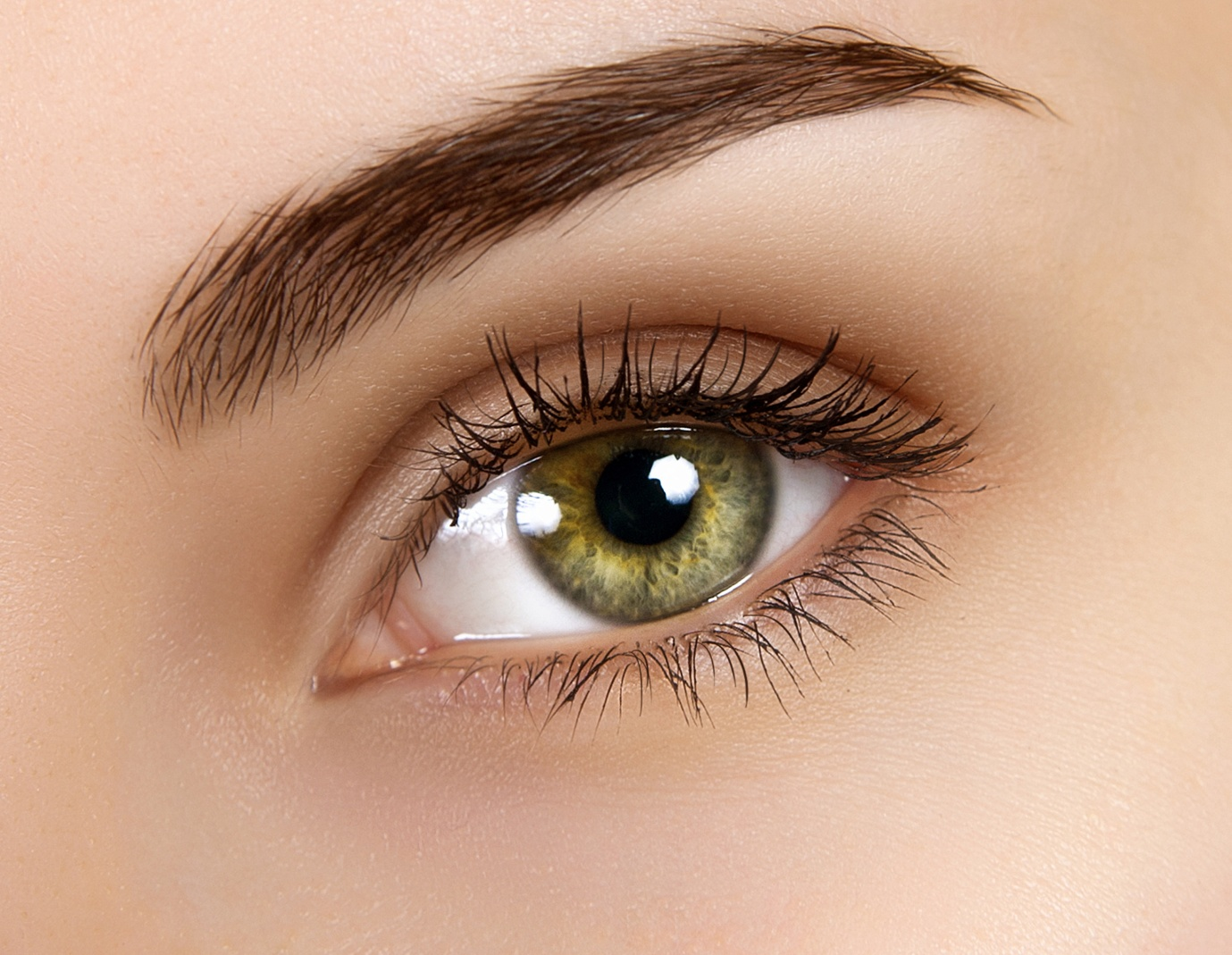 How To Make Eyes Look Attractive Naturally